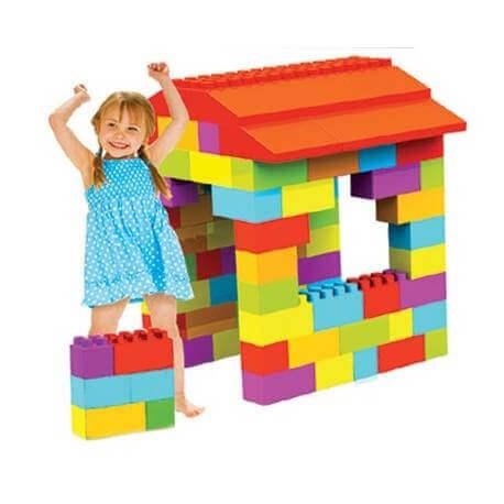 Briques geantes de construction